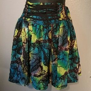 Divided size 10 full skirt with 3.5 in. waistband